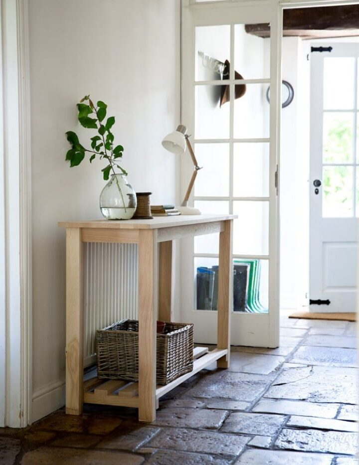 Hambledon Console Table with Ledbury Lamp and Rattan Basket