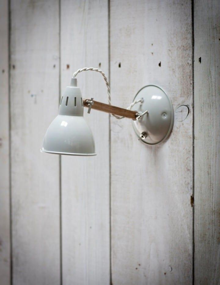 LAWO02 - BERMONDSEY WALL LIGHT WITH OAK ARM