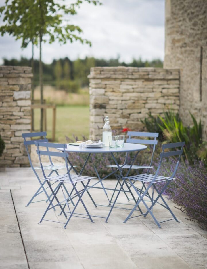 rive_droite_bistro_set_of_table_and_4_chairs__dorset_blue__rddb02