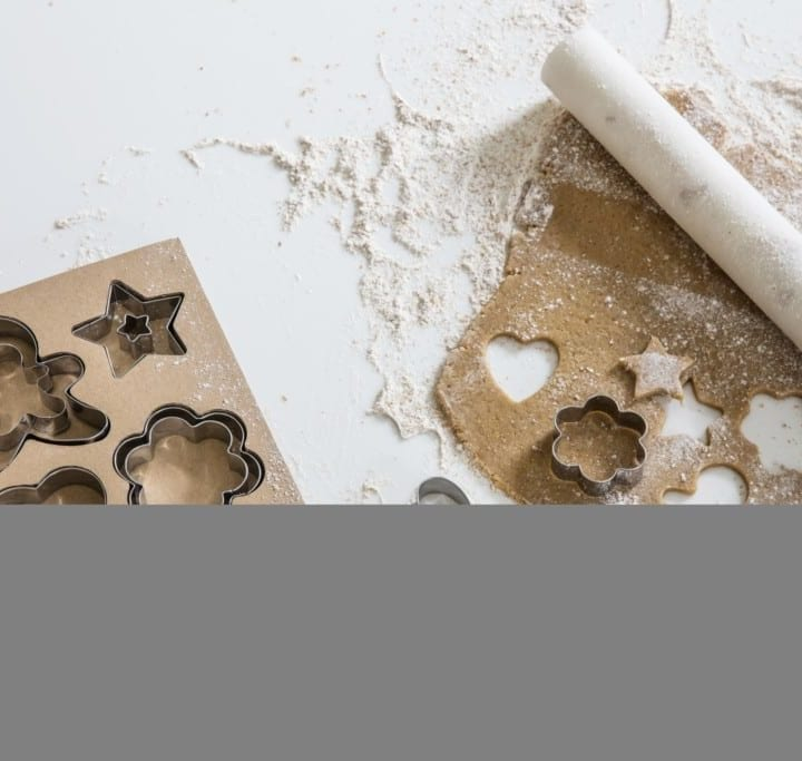 set-of-cookie-cutters-with-rolling-pin-marble-ccss01-rpmb01