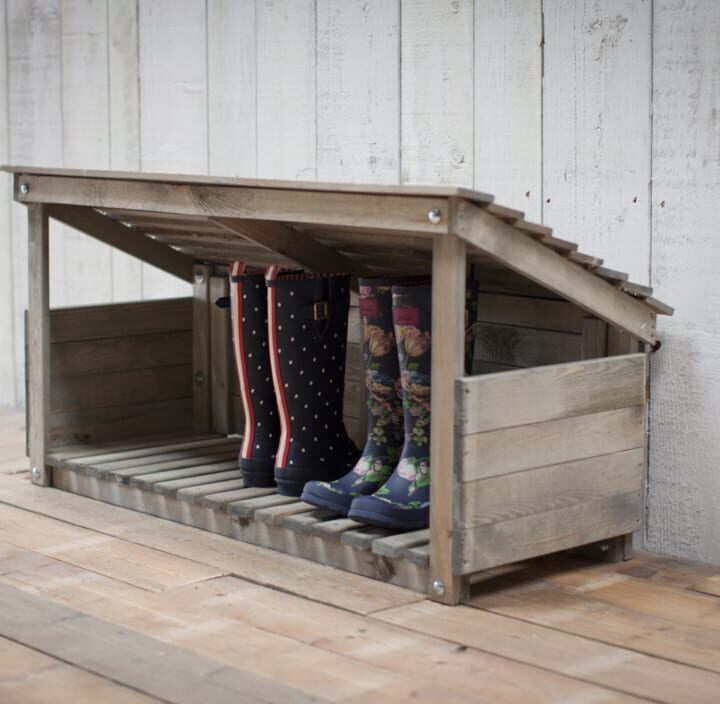 wooden_welly_store_parcel_shelter__wswo01